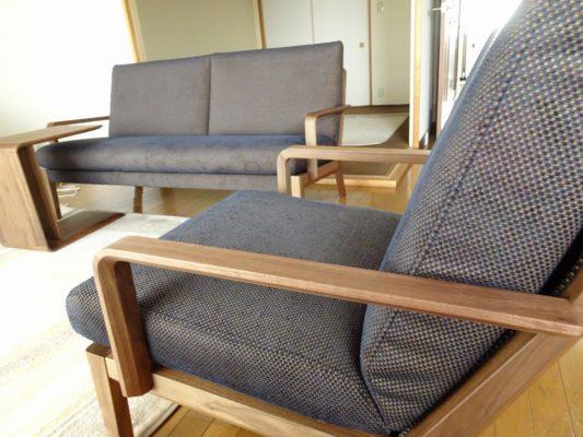 大阪府のH様に人気のカリモク家具ソファーなどをお届けいたしました。