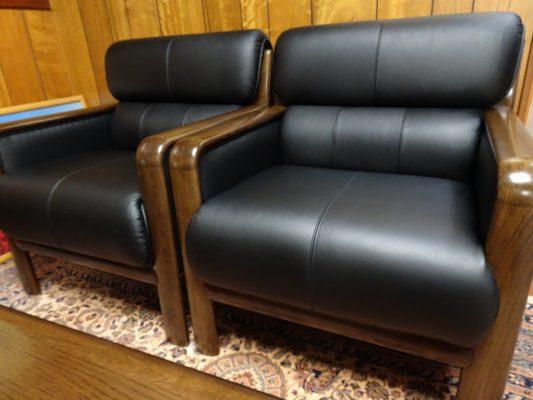 カリモク品番:肘掛け椅子 WS2980BD