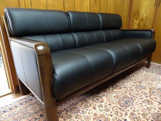 カリモク品番:長椅子 WS2983BD