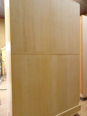 大阪泉州桐箪笥天地丸14杯お盆いり二つ重ね衣装箪笥の背板