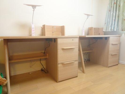 西宮市のE様にカリモク家具のSU3670MEデスク他をお届けいたしました。