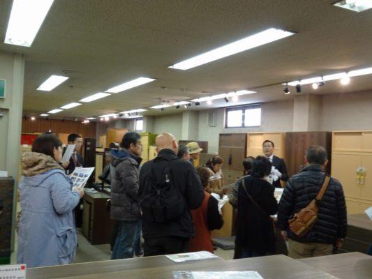 岸和田ブランド工房見学ツアー いい桐タンスの見極め方 研修