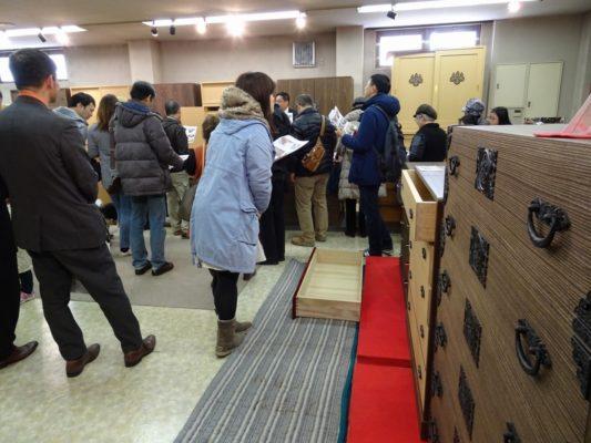 岸和田ブランド工房見学ツアー いい桐箪笥の見極め方 為になる研修会2