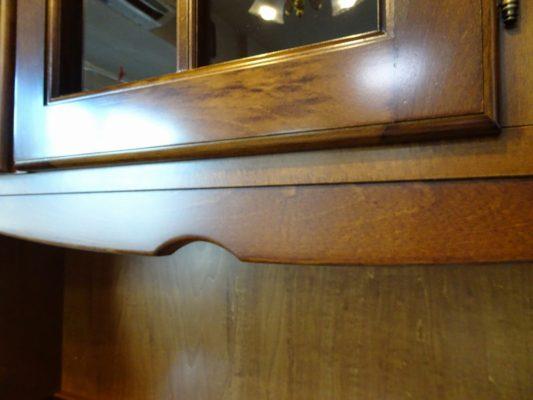 カリモク食器棚