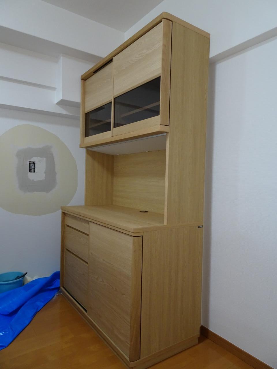カリモク家具の食器棚(ET4415ME)をお届けいたしました。