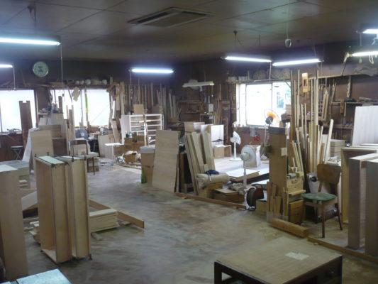 大阪泉州桐箪笥の工房にも、暑い夏がやってきます。