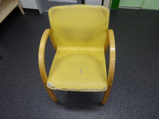 こだわりの桐タンスの社長ブログ どこも出来ないイタリアのarfiex(アルフレックス)の椅子の張り替えを致しました。
