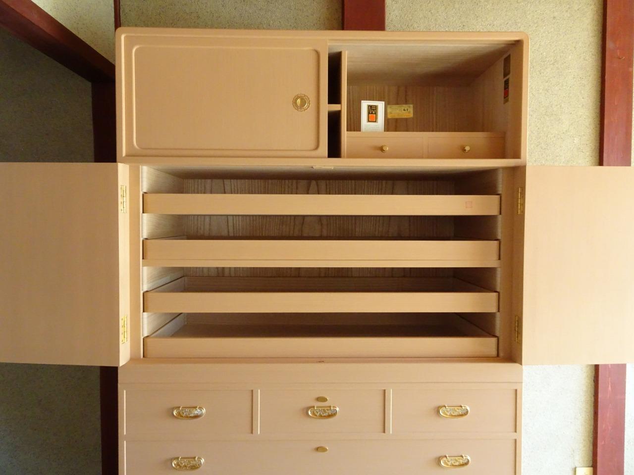 桐箪笥の納品事例!大阪府のN様の総桐天丸衣裳箪笥をお届けいたしました。