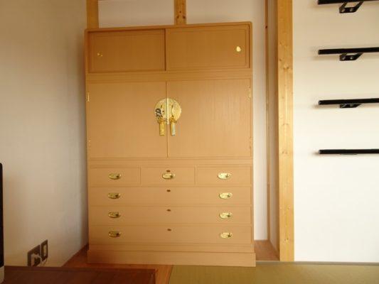 兵庫県K様に大阪泉州桐箪笥 こだわりの桐箪笥のお届け写真と動画です。