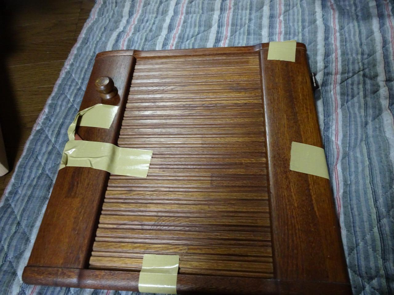こだわり桐箪笥の社長ブログ 食器棚の金具(アングル蝶番)の修理ならお任せください。を直しました。