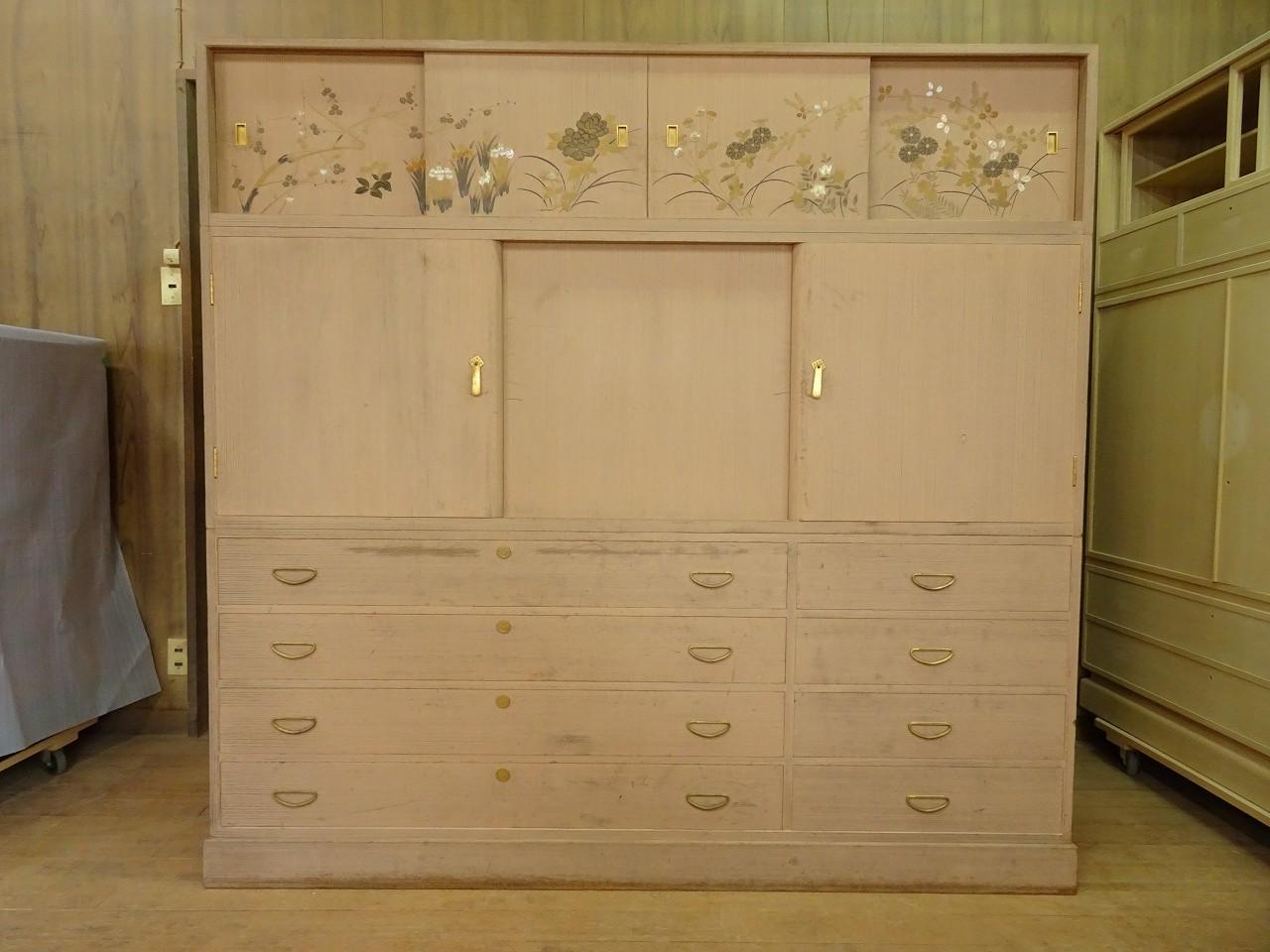 松山家具(桐の松山)製の蒔絵入り(絵入り)桐箪笥の洗い修理