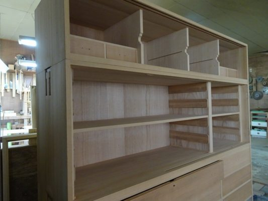 こだわりの桐箪笥の社長ブログ 先日からブログでご紹介させていただいている松山の最高級桐箪笥の修理のご紹介!