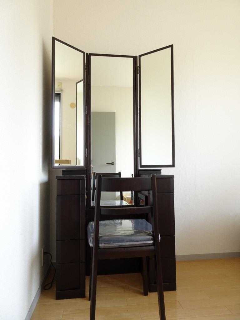 和歌山のT様に七分三面鏡の鏡台(ミュール)をお届けいたしました。