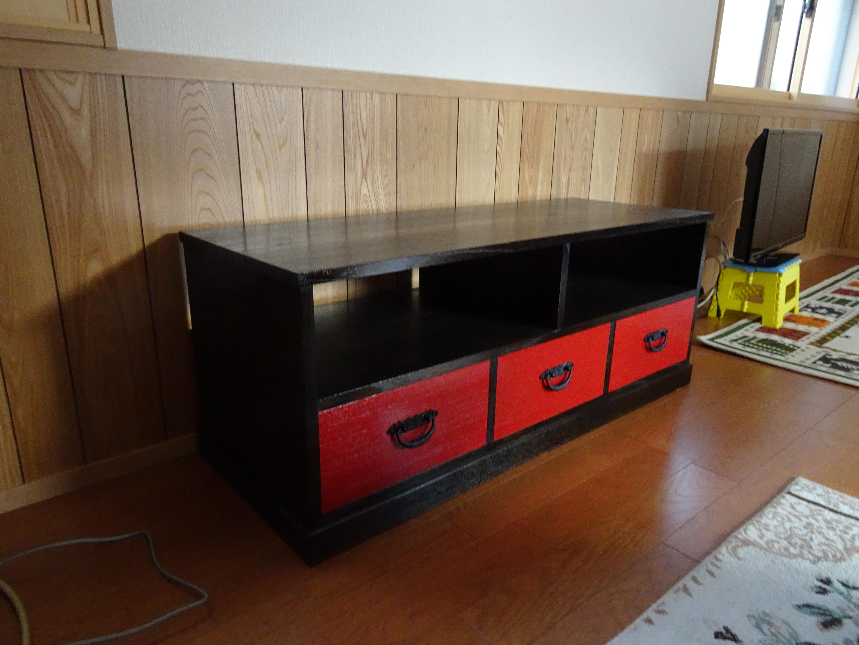 初音オリジナル カシュー塗り桐のテレビボードをお届けいたしました。