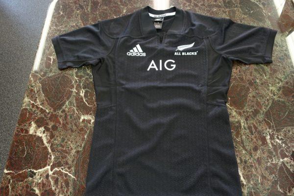 こだわりの桐たんすの社長ブログ ニュージーランド オールブラックス ユニフォーム 最高です。嬉しいプレゼントありがとう。