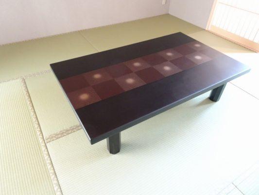 和室に市松模様座敷机