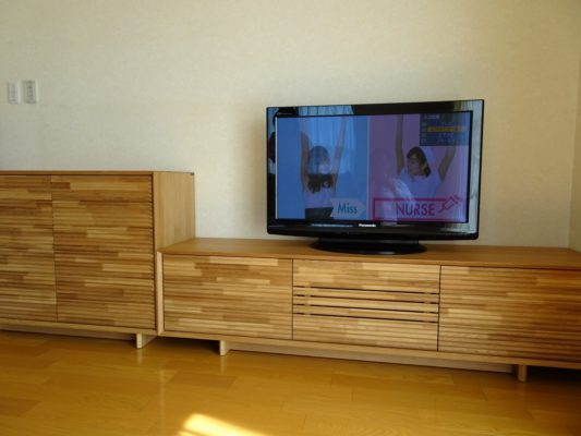 大阪府のN様にカリモク家具人気のテレビボードなどをお届けいたしました。