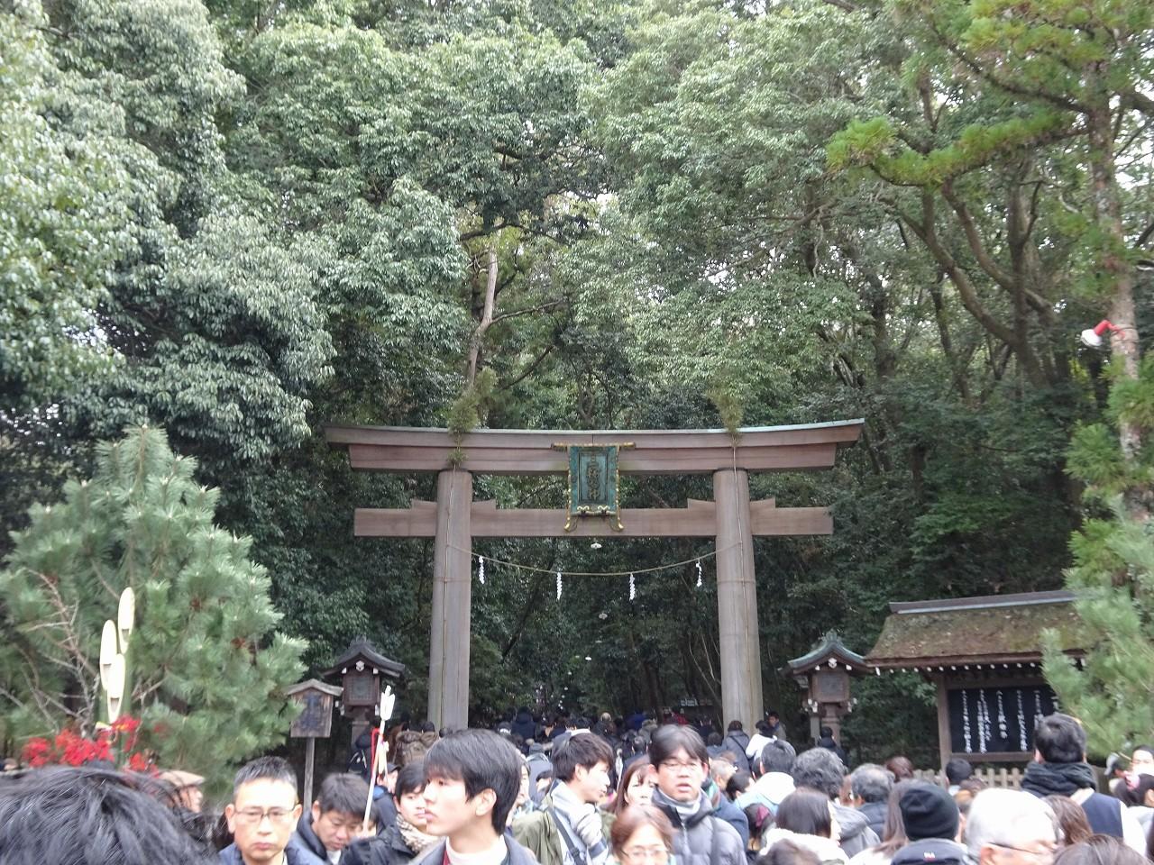 こだわりの桐箪笥の社長ブログ 初詣は大和国 一の宮 三輪明神 大神神社です。