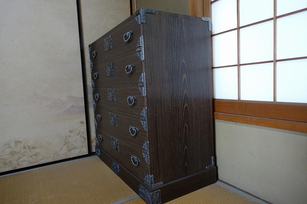 大阪泉州桐箪笥 焼桐柾目美しい桐無垢側面板
