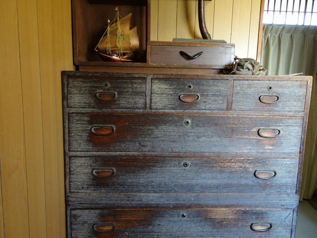 古い桐たんすの修理と洗い替えのご相談