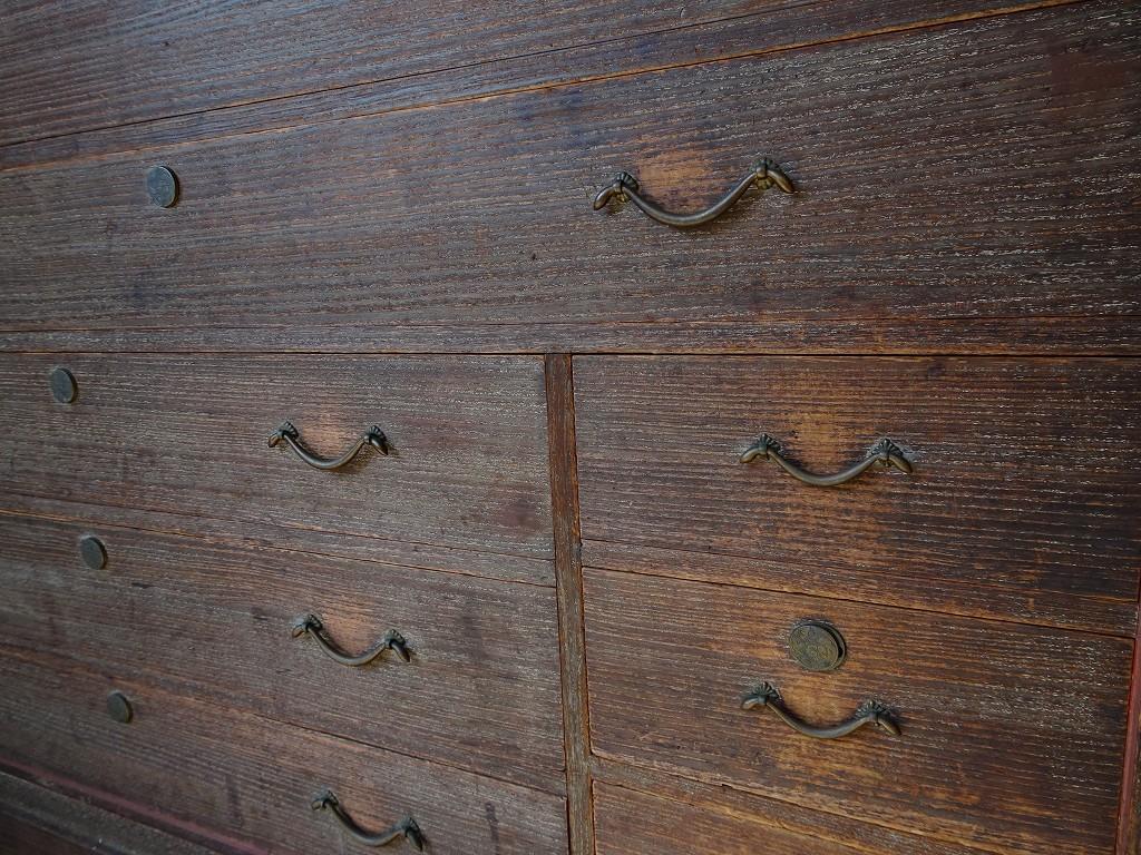 こだわりの桐箪笥の社長ブログ 古い桐箪笥には使っておられた人の思い出が残っています。