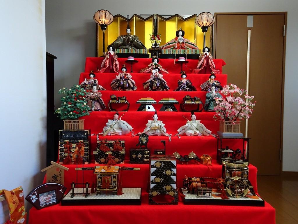 こだわりの桐箪笥の社長ブログ 3月3日は雛祭り(桃の節句)です。平成最後の今年は雛人形を飾りました。