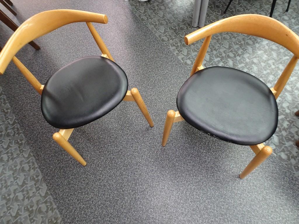 こだわりの桐箪笥屋の社長ブログ 椅子の張替のご注文は私どもにお任せください。